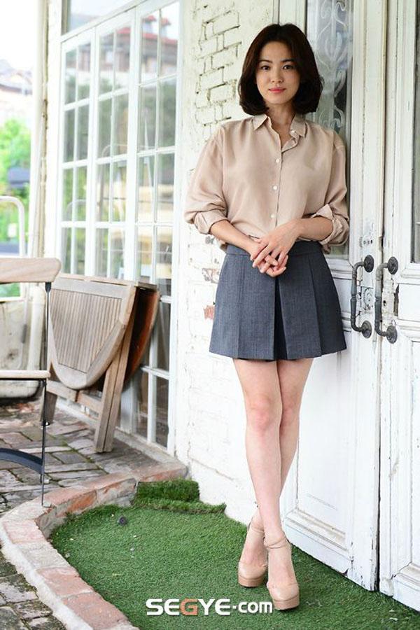 Phong cách thời trang U40 thanh khiết như Song Hye Kyo