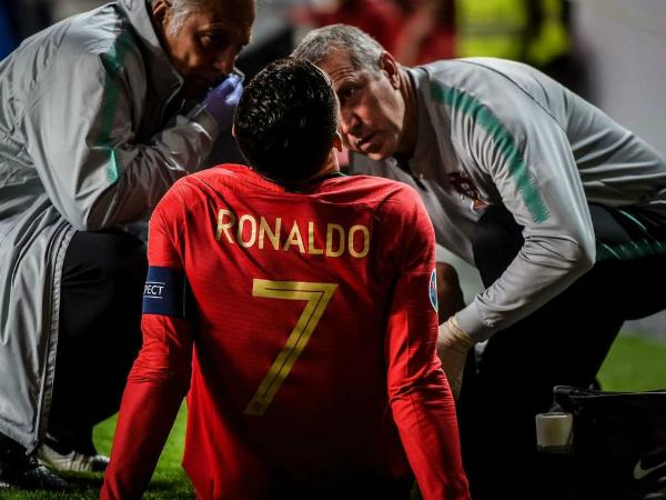 Ronaldo chấn thương sớm, Bồ Đào Nha hòa trận thứ hai liên tiếp