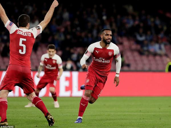 Arsenal vượt qua Napoli vào bán kết Europa League