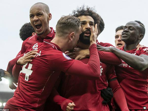 Liverpool giành thắng lợi trước Chelsea, qua đó rộng cửa vô địch