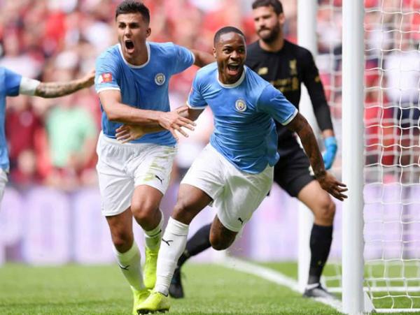 Man City gặp sức ép sau khi Liverpool thắng trận đầu Ngoại hạng Anh